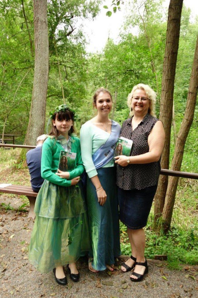 Autorin, Ruma und Elfe